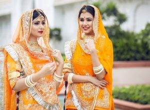 Most Popular Indian Traditional Clothing